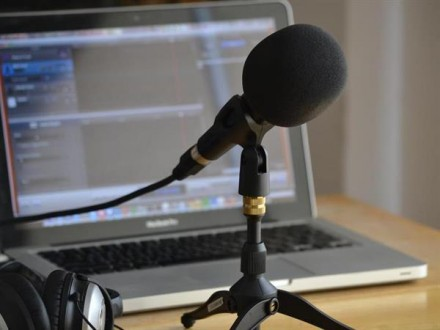 Transnational Audio Storytelling: Writing the Common Language of Sound